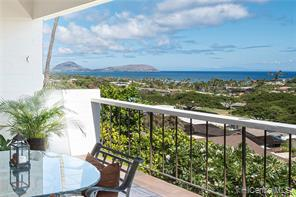 3853 Pokapahu Place, Honolulu, HI 96816