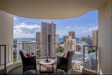 469 Ena Road, 2810, Honolulu, HI 96815