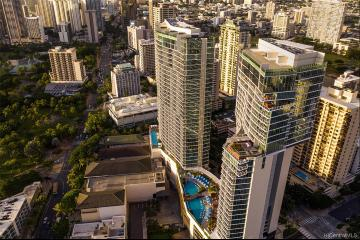 2139 Kuhio Avenue, PH-B, Honolulu, HI 96815