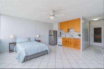 1550 Wilder Avenue, A806, Honolulu, HI 96822