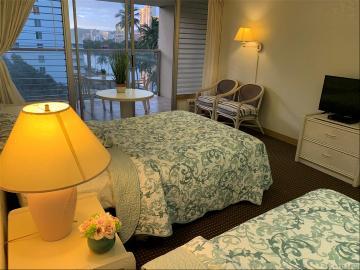 445 Seaside Avenue, 706, Honolulu, HI 96815