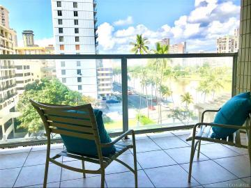 445 Seaside Avenue, 704, Honolulu, HI 96815