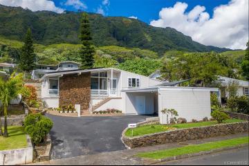 3614 Loulu Street, Honolulu, HI 96822