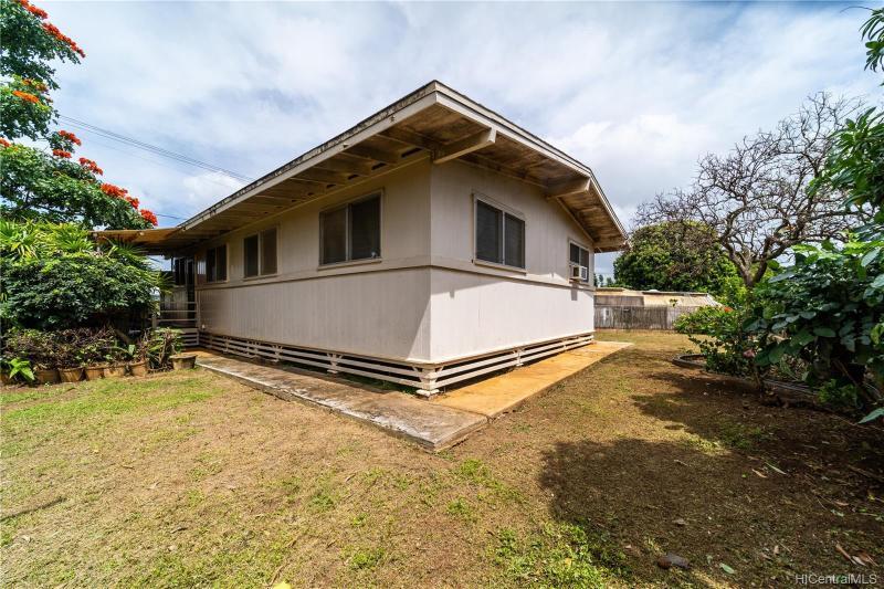 94-383 Waipahu Street, Waipahu, HI 96797