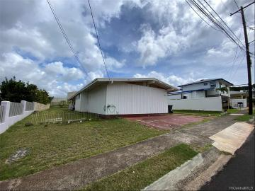 Upcoming 4 of bedrooms 2 of bathrooms Open house in Pearl City on 3/7 @ 2:00PM-5:00PM listed at $850,000