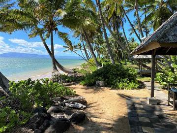 8794 Kamehameha V Hwy, Kaunakakai, HI 96748