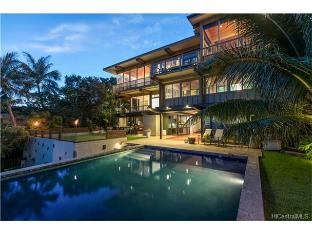 1517 Ehupua Place, Honolulu, HI 96821