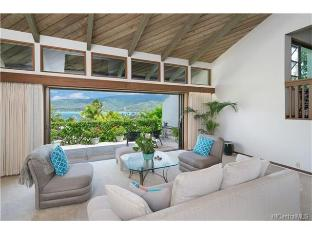 253 Lumahai Place, Honolulu, HI 96825