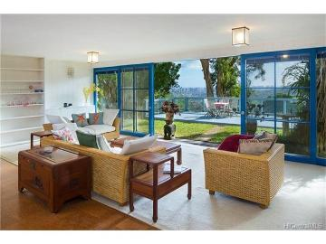 3694 Woodlawn Terrace Place, Honolulu, HI 96822