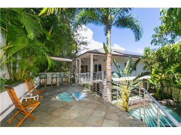 7 of bedrooms 5 of bathrooms Luxury Listing in Kailua