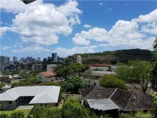 1227 Luna Place, Honolulu, HI 96822