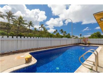 6809 Hapuna Place, Honolulu, HI 96825