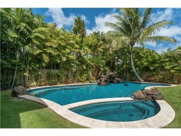 4462 Kahala Avenue, Honolulu, HI 96816
