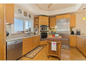 1090 Kaluanui Road, Honolulu, HI 96825