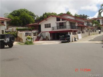 4510 Luapele Place, Honolulu, HI 96818