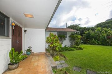3896 Old Pali Road, Honolulu, HI 96817