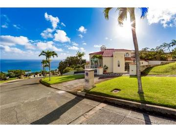 96 Moaniala Place, Honolulu, HI 96821