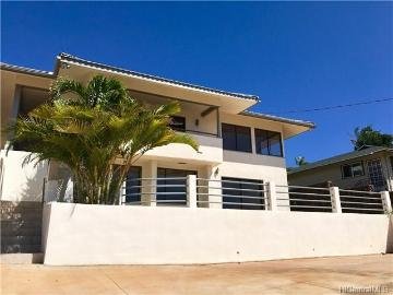 3682 Hilo Place, Honolulu, HI 96816