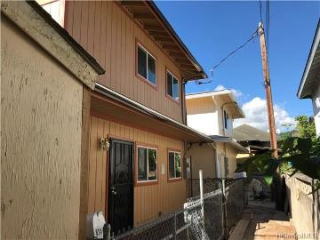 824-B Lopez Lane, Honolulu, HI 96819
