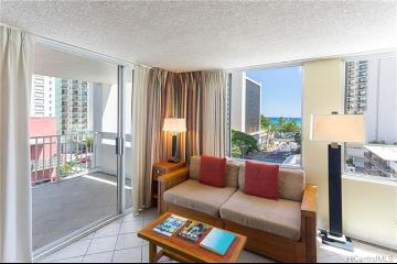 2427 Kuhio Avenue, 702, Honolulu, HI 96815