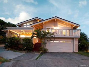 1022 Kalahu Place, Honolulu, HI 96825