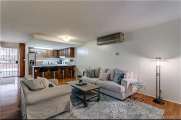 2939 Manoa Road, B2, Honolulu, HI 96822