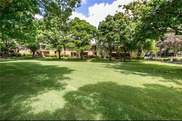 365 F Haleloa Place, A706, Honolulu, HI 96825