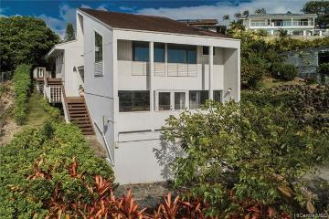 1655 Ihiloa Loop, Honolulu, HI 96821