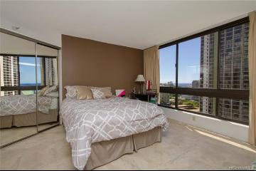 300 Wai Nani Way, I1807, Honolulu, HI 96815