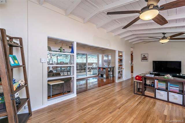 5025 Poola Street, Honolulu, HI 96821