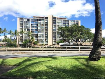 620 Mccully Street, 402, Honolulu, HI 96826