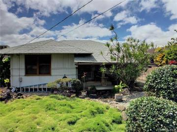 1049 School Street, Honolulu, HI 96817