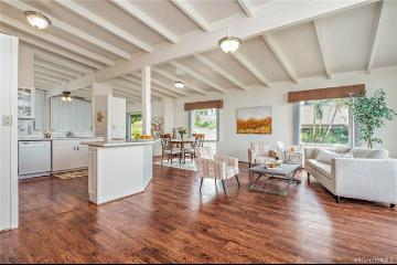 4304 Palahinu Place, Honolulu, HI 96818
