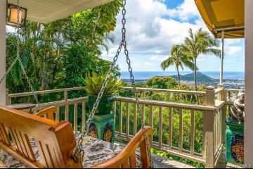 4020 Lurline Drive, Honolulu, HI 96816-4008