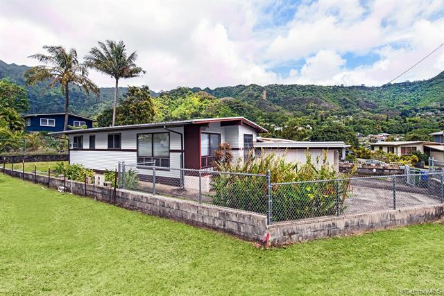 3449 Peneku Place, Honolulu, HI 96822