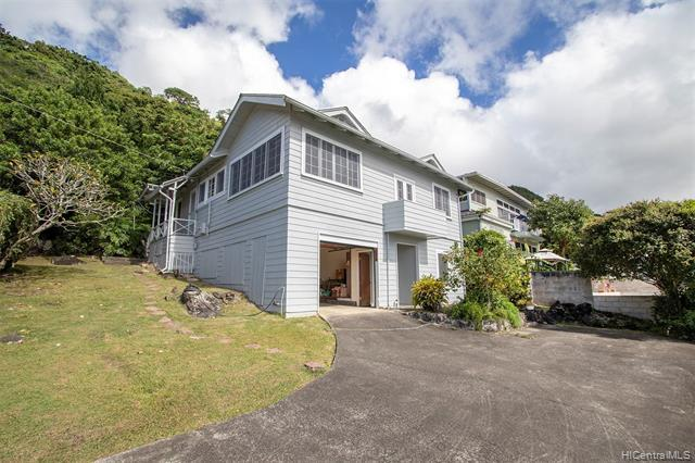 2518-A Waolani Avenue, Honolulu, HI 96817