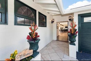 84 Wailupe Circle, Honolulu, HI 96821