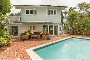 7519 Olowalu Place, Honolulu, HI 96825