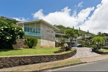 5066 Poola Street, Honolulu, HI 96821