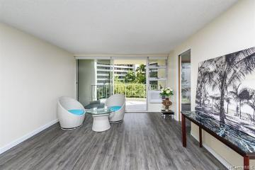 469 Ena Road, 702, Honolulu, HI 96815
