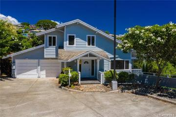 108 Maunalanikai Place, Honolulu, HI 96816