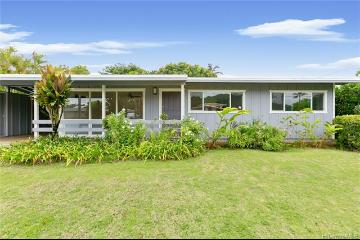 Upcoming 3 of bedrooms 2 of bathrooms Open house in Kailua on 12/15 @ 2:00PM-5:00PM listed at $1,100,000