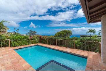 1551 Ihiloa Loop, Honolulu, HI 96821