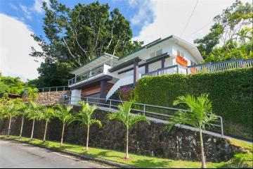 2960 Laukoa Place, Honolulu, HI 96813