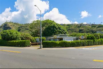 137 Hind Drive, Honolulu, HI 96821