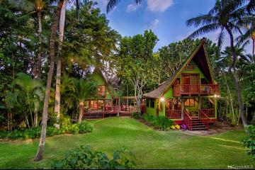 4 of bedrooms 4 of bathrooms Luxury Listing in S. Kohala