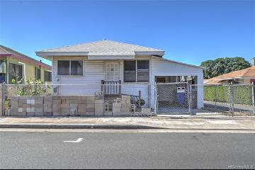 3521 Kanaina Avenue, Honolulu, HI 96815