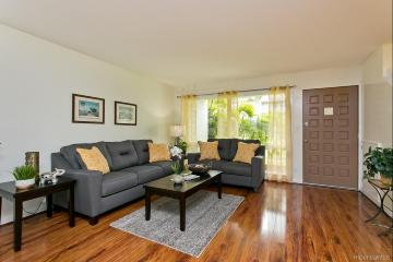 Upcoming 3 of bedrooms 2.5 of bathrooms Open house in Kailua on 1/26 @ 2:00PM-5:00PM listed at $679,900