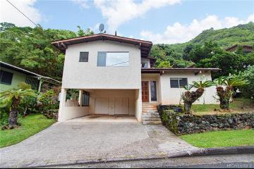 2432 Halenoho Place, Honolulu, HI 96816