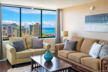 444 Niu Street, PH303, Honolulu, HI 96815